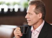 El café previene frente a los adenomas colorrectales proximales en hombres japoneses