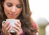 Mujer taza cafe
