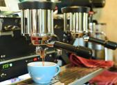 Cafe en maquina de cafeteria